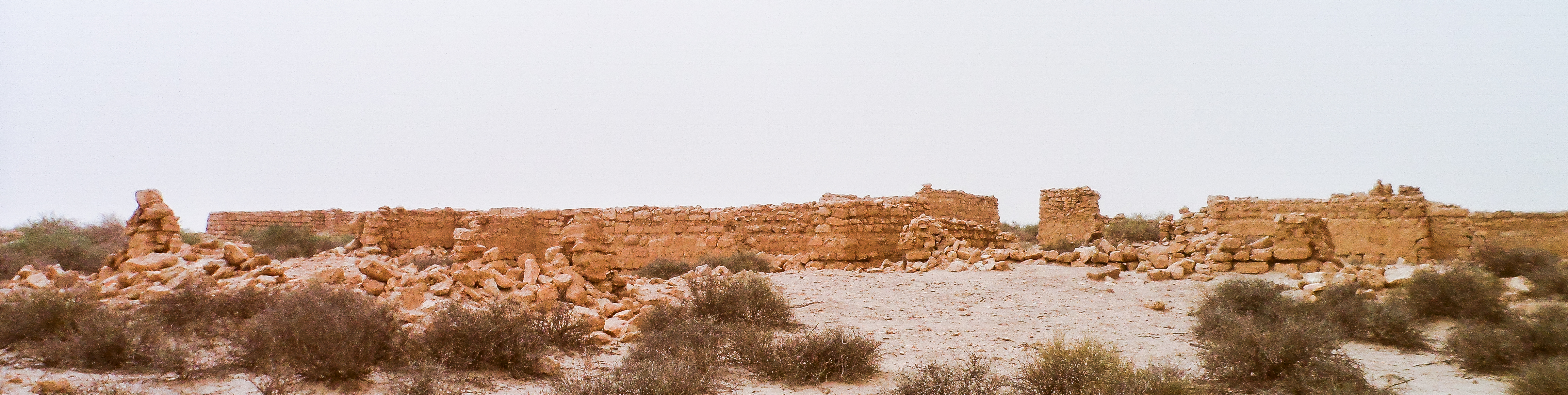 Ancient trade city of Al-Hinnah in the neighborhood of Al-Thaj (photo: Florent Egal)