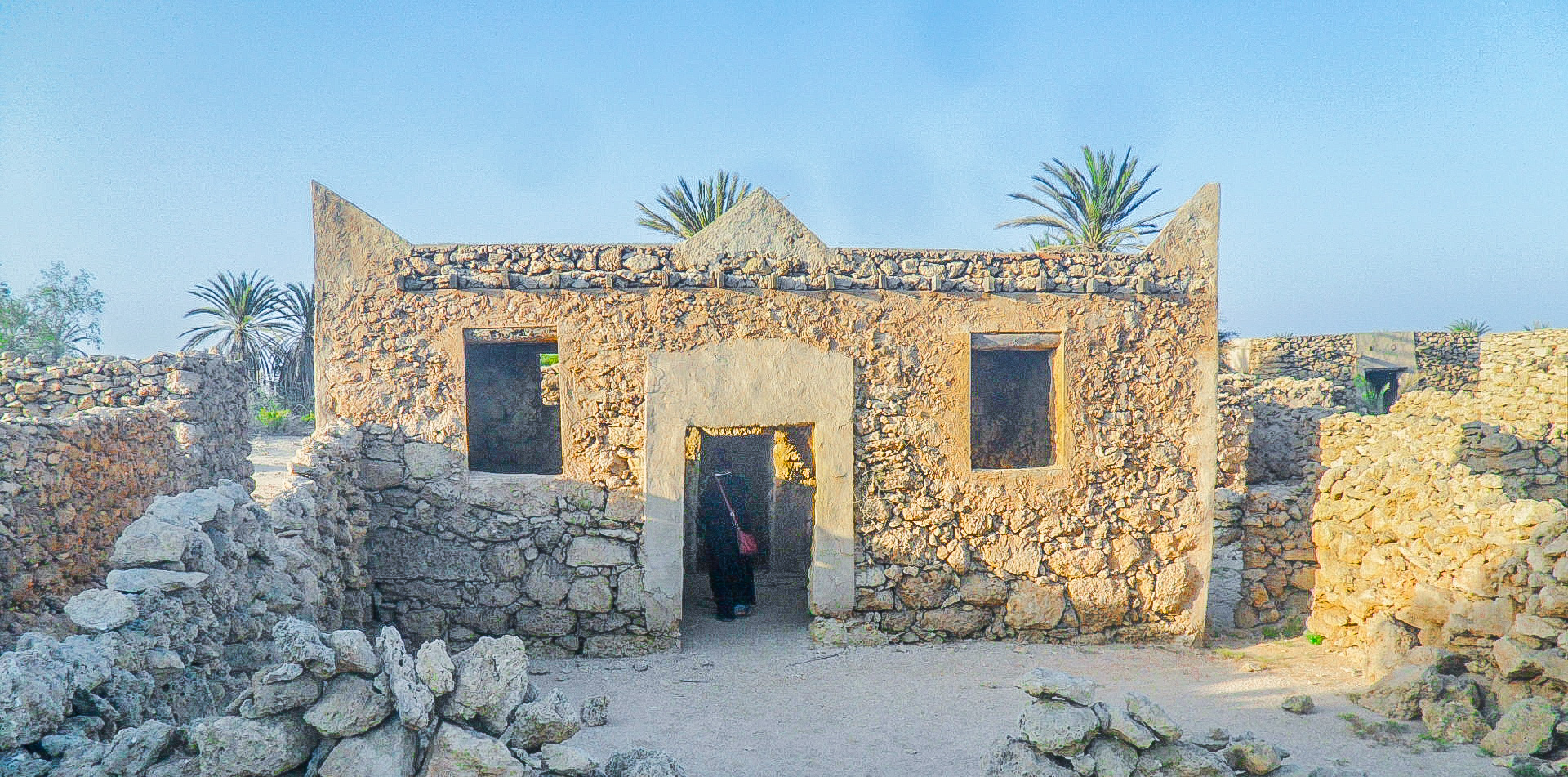 Old mosque at Al-Qassar village in Farasan Al-Kebir (photo: F. Egal)
