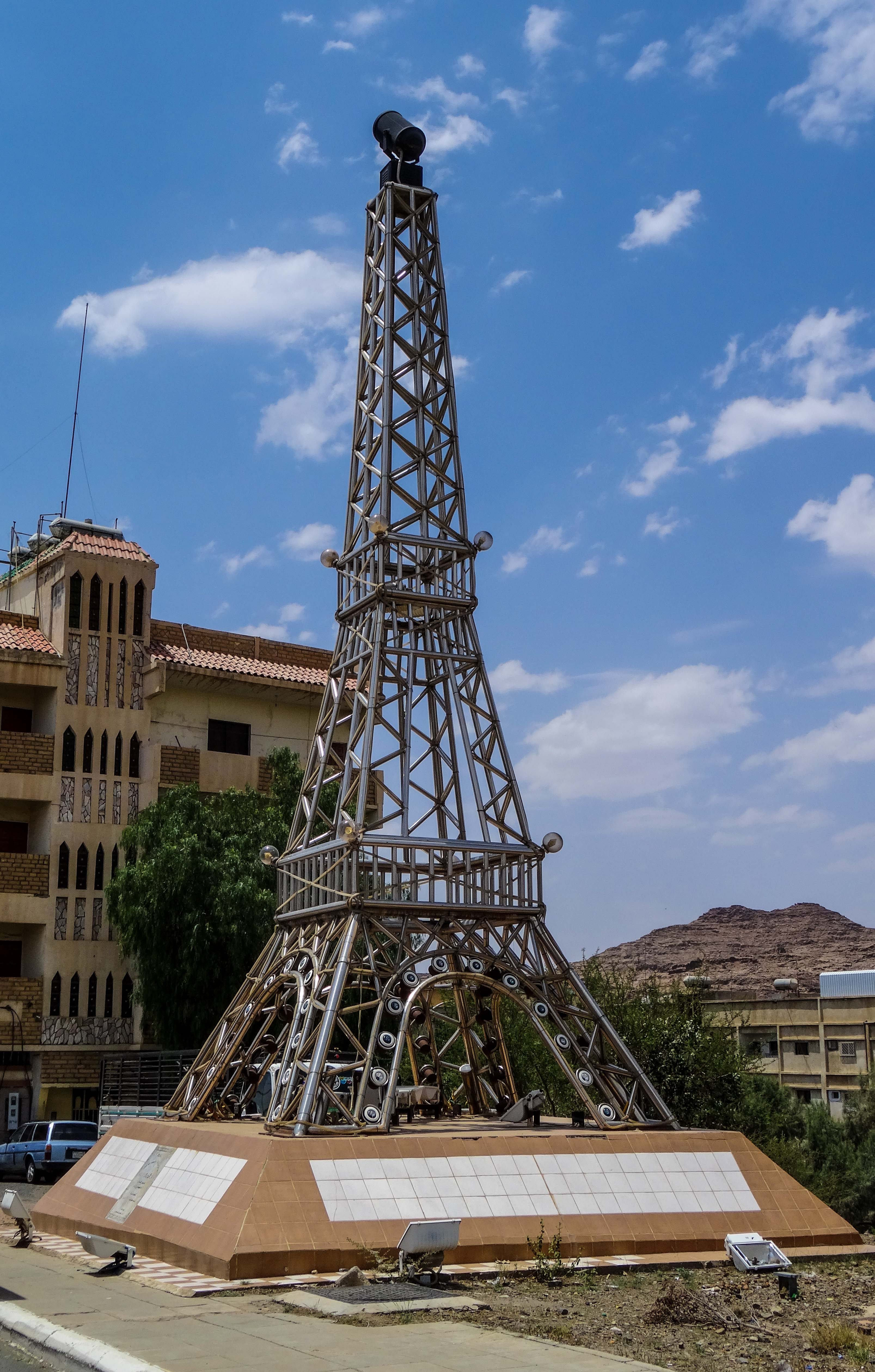 Replica of the Eiffel Tower (photo: Florent Egal)
